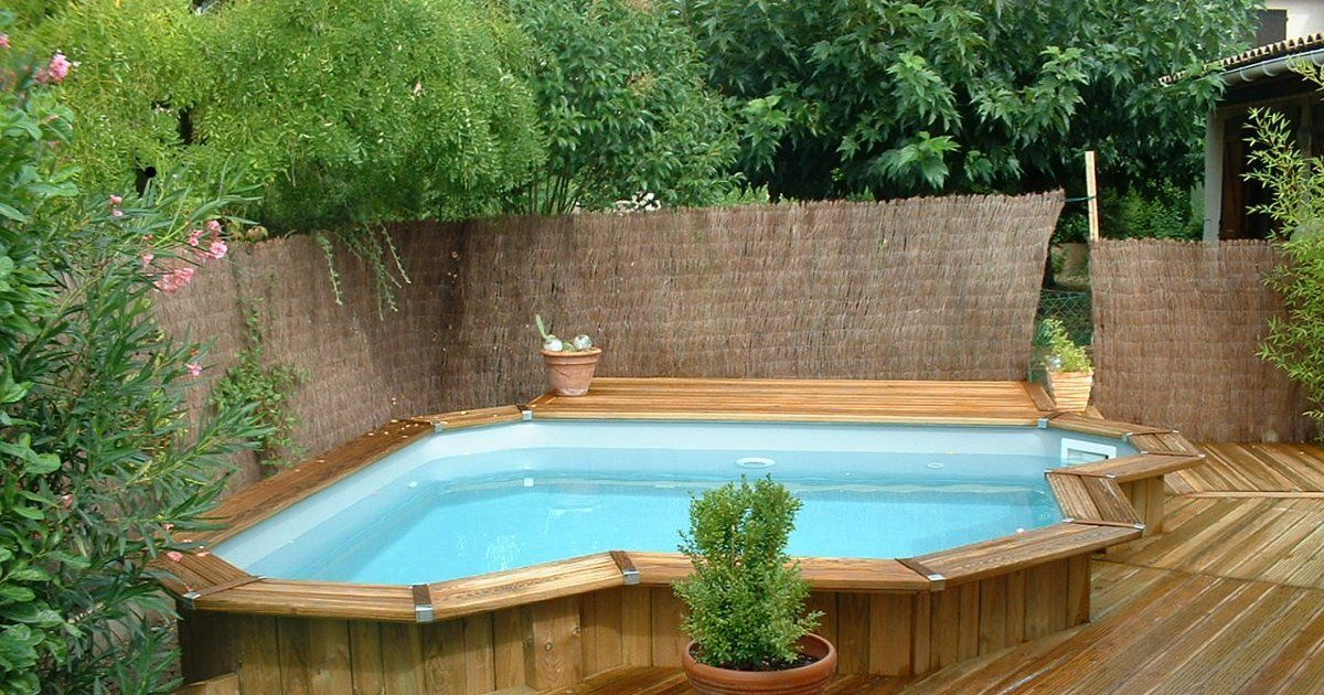 Piscine bois piscine polyester piscine acier quel for Construction piscine bois