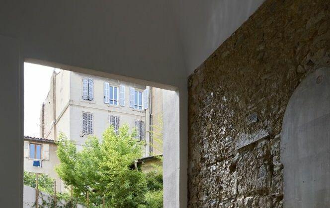 Réalisation : Aqua Diffusion à Auriol et Aix-en Provence © Carré Bleu - Photo : François Deladerrière