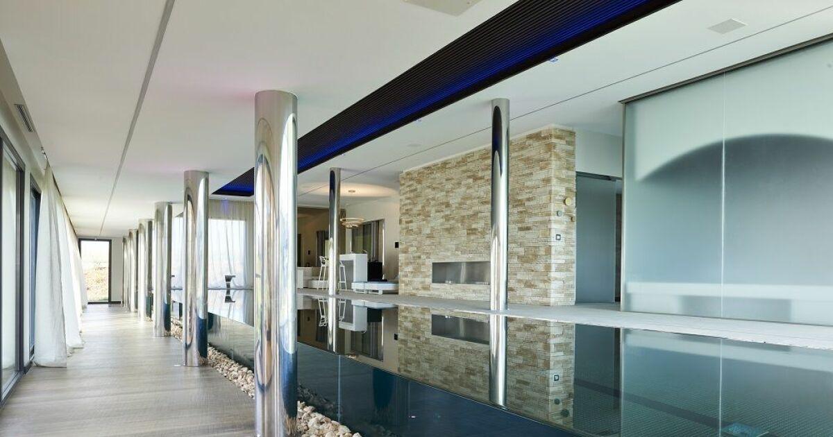couloir de nage int rieur carr bleu piscine semi enterr e piscines carr bleu. Black Bedroom Furniture Sets. Home Design Ideas