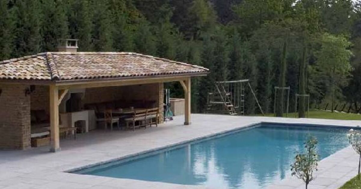 Traitement piscine au sel comment ca marche for Abri piscine zyke