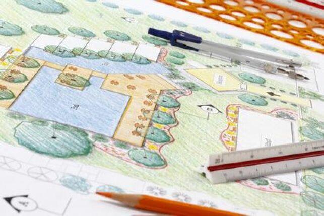 Réaliser les plans d'une piscine naturelle