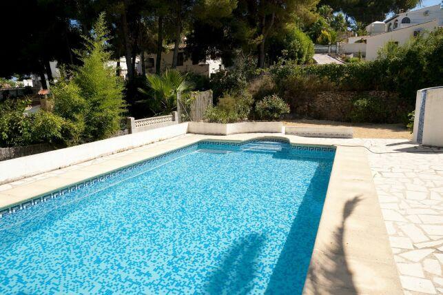 Réaliser un devis pour votre piscine béton : nos conseils