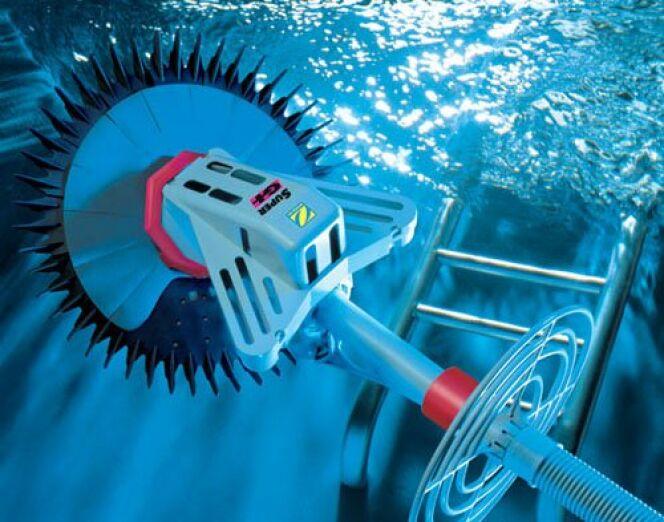 Récapitulatif : quels accessoires pour bien nettoyer sa piscine ?