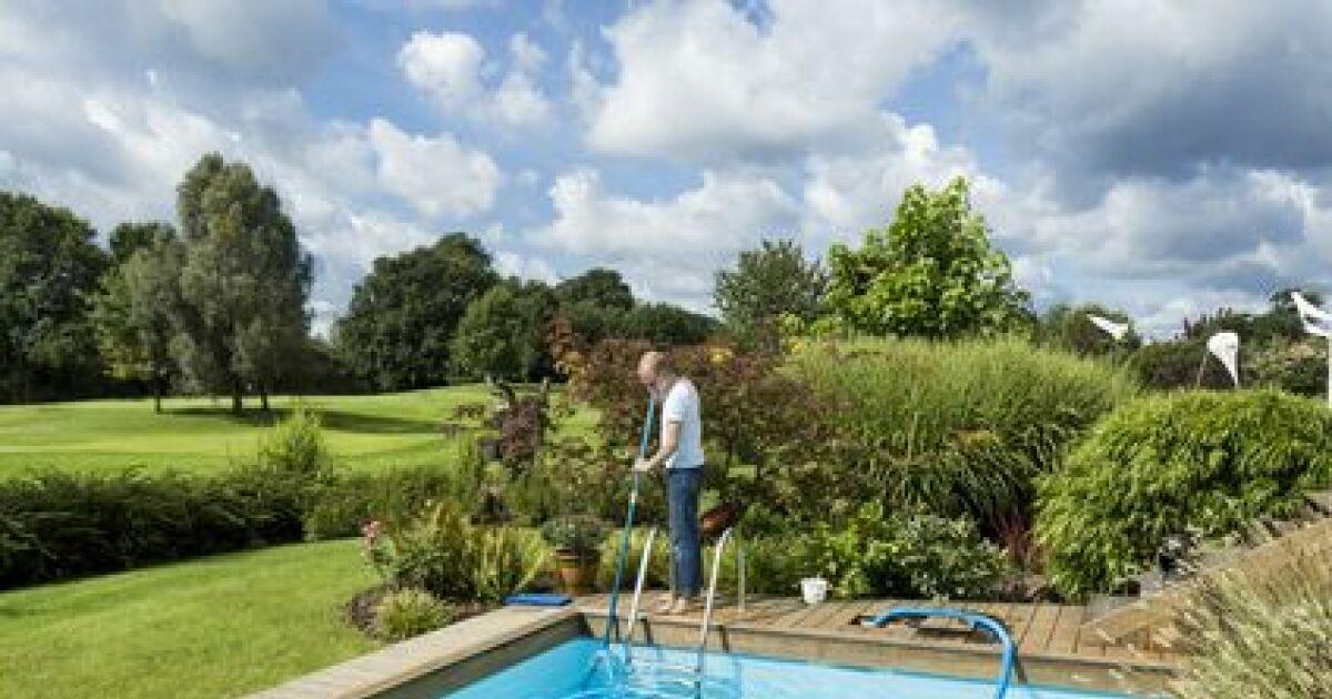 recycler l eau d une piscine les possibilit s. Black Bedroom Furniture Sets. Home Design Ideas