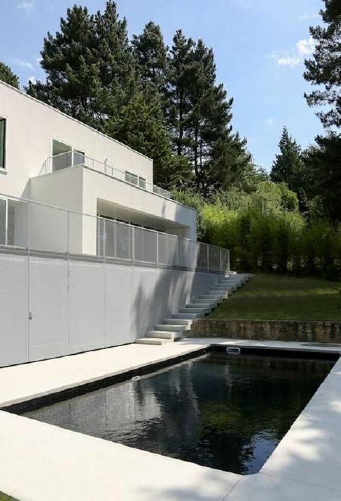 r novation de piscine. Black Bedroom Furniture Sets. Home Design Ideas