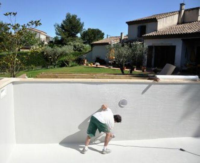 Rénover sa piscine peut être rentable dans certains cas. Pourquoi ne pas en profiter pour l'améliorer ?
