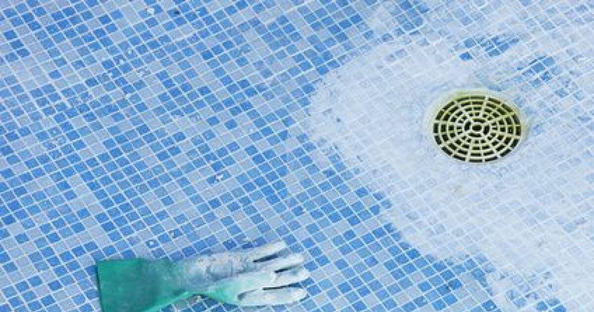 Le mastic sp cial piscine utilisable sous l 39 eau - Piscine type bassin ancien argenteuil ...