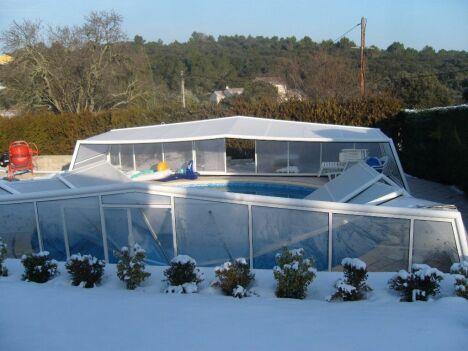 """chantier réparation abri piscine <span class=""""normal italic petit"""">© lac'eau abris piscines</span>"""