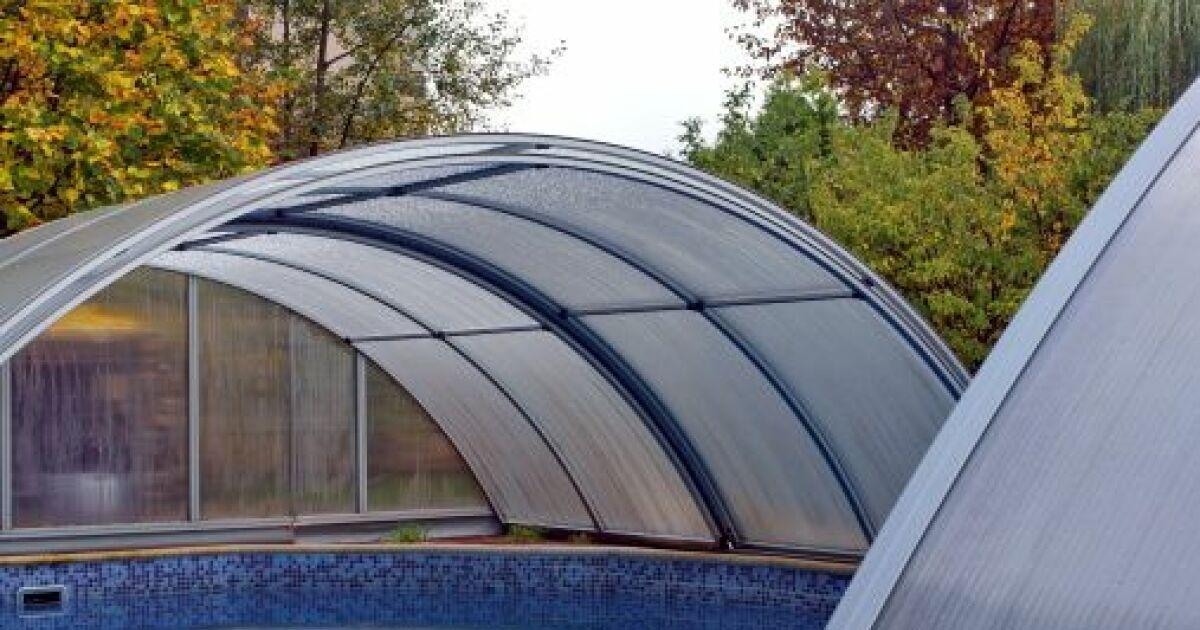 R parer un abri de piscine for Abri de piscine en plastique