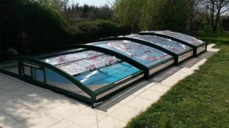 """chantier remplacement plaque d'abri après <span class=""""normal italic petit"""">© lac'eau abris piscines</span>"""