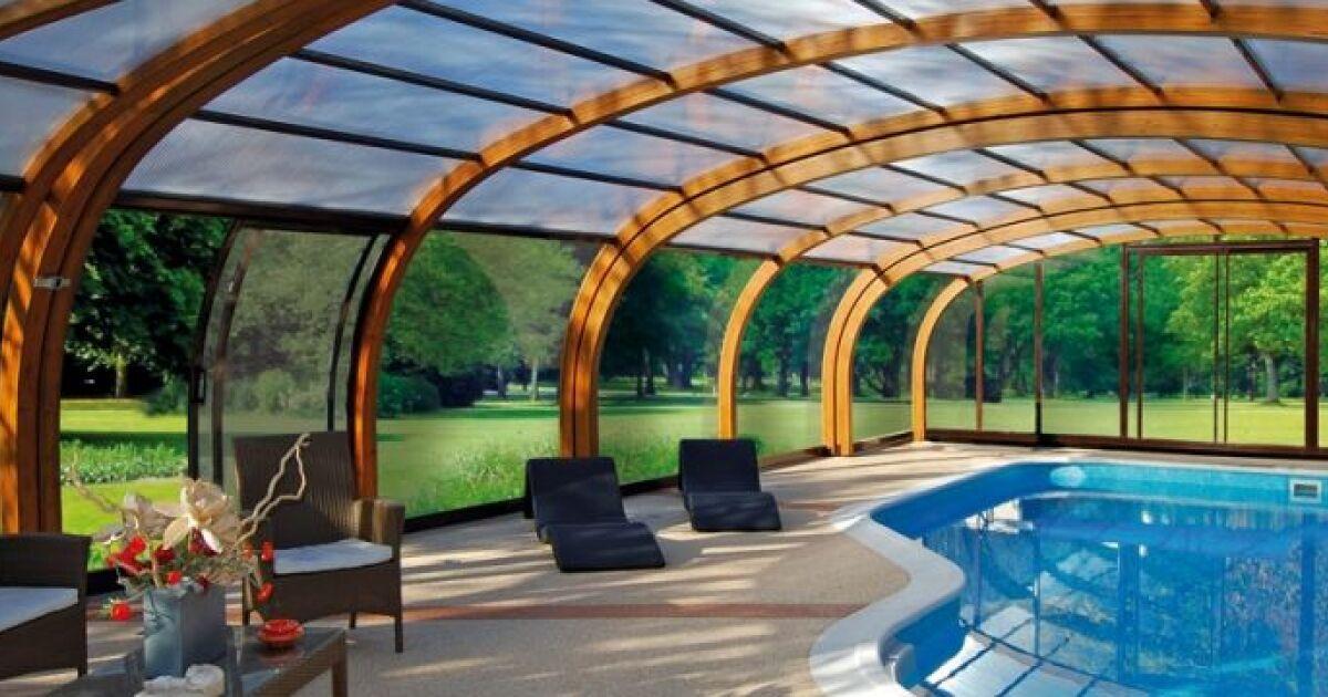 R sistance et long vit d un abri de piscine en bois for Les piscine en bois