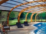 Résistance et longévité d'un abri de piscine en bois