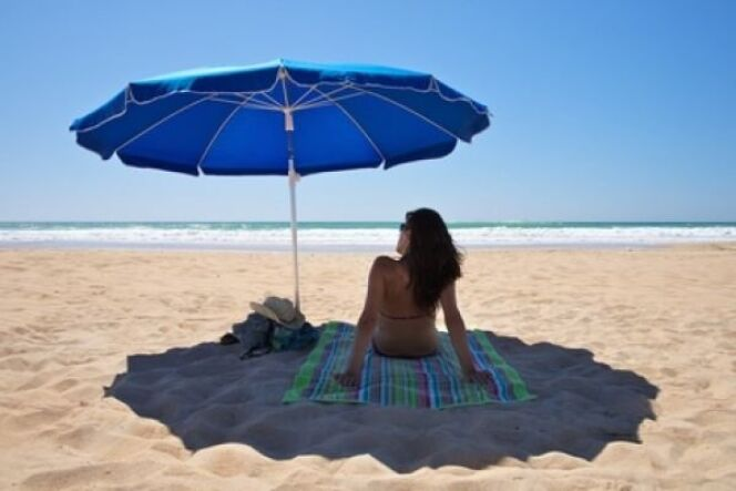 """Rester à l'ombre est encore le meilleur moyen d'éviter l'insolation !<span class=""""normal italic petit"""">© Q - Fotolia.com</span>"""