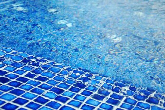 Revêtement bleu foncé en mosaïques
