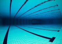 Revue de presse : Les spécialistes de la piscine espèrent rénover 500 bassins publics