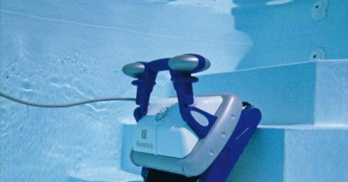 Un robot nettoyeur de piscine pour vous simplifier la vie for Robot de nettoyage