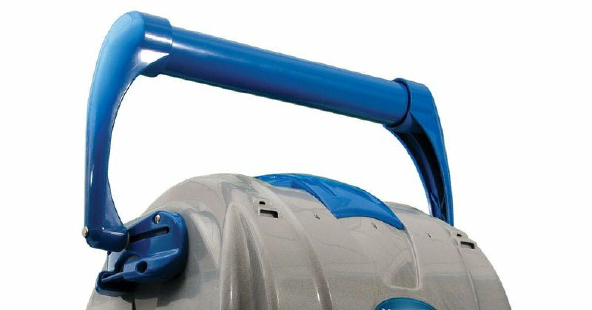 Robot nettoyeur piscine trendy robot nettoyeur de piscine for Aspirateur piscine youtube