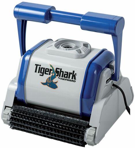 """Le robot nettoyeur électrique TigerShark traite le fond, les parois et la ligne d'eau.<span class=""""normal italic petit"""">© Hayward Pool Europe</span>"""