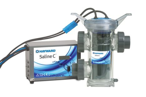 "L'électrolyseur Saline C de Hayward est simple et robuste.  <span class=""normal italic petit"">© Hayward Pool Europe</span>"