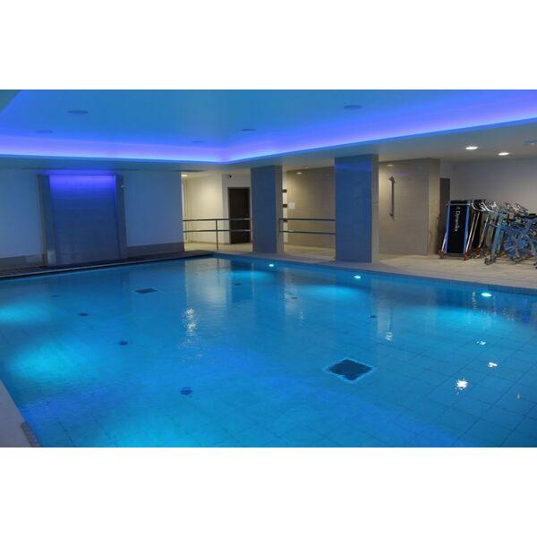 Salle de sport le palestre fitness et piscine aubagne for Piscine de salles horaires