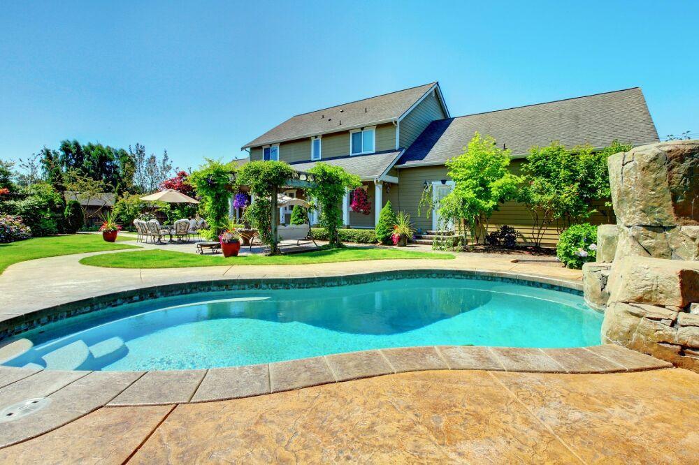 Salon Piscine Spa et Jardin de Nice : rendez-vous en septembre© Artazum - shutterstock.com