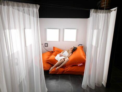 """Salle de luminothérapie pour une sieste ensoleillée<span class=""""normal italic petit"""">DR</span>"""