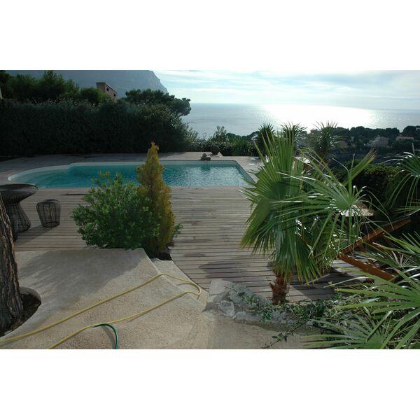 Sarl piscines services loriol du comtat pisciniste for Accessoire piscine sollies pont