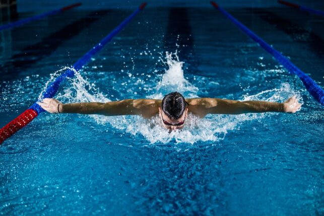 Se muscler avec la natation