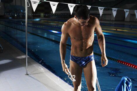 "Slip de bain imprimé bleu spécial entraînement Speedo 2013<span class=""normal italic petit"">© Speedo</span>"