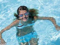 Soigner ses cheveux lorsqu'on fait de la natation