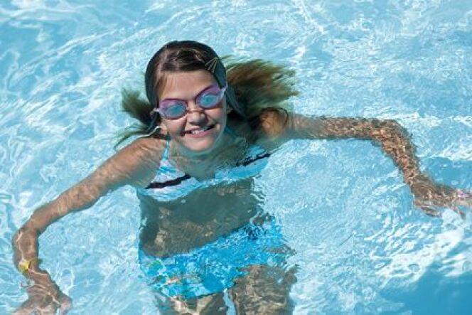 """Soigner ses cheveux lorsqu'on fait de la natation<span class=""""normal italic petit"""">© Fotolia</span>"""