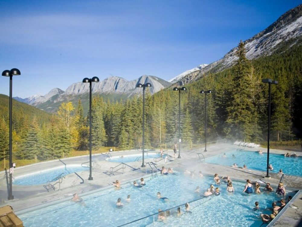 Sources thermales Miette au Canada  © travelalberta.com