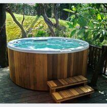 produit installer un spa ou un jacuzzi chez soi le bien tre la maison. Black Bedroom Furniture Sets. Home Design Ideas