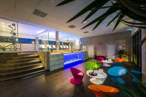 """Le hall d'entrée de l'hôtel spa Athéna à Strasbourg<span class=""""normal italic petit"""">DR</span>"""