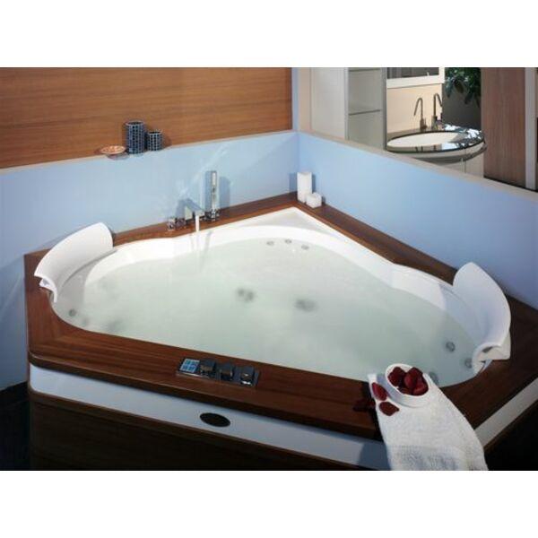 le spa d 39 angle pratique pour les petits espaces et budgets. Black Bedroom Furniture Sets. Home Design Ideas