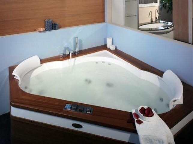 Un spa d'angle sera parfait pour agrémenter une salle de bain.