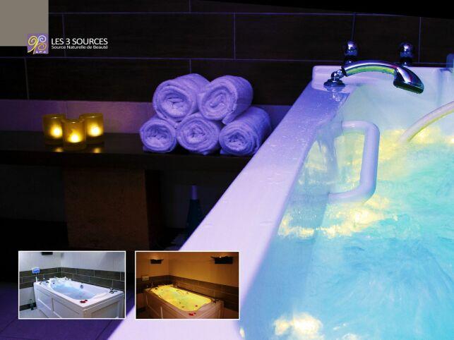 Baignoire de balnéothérapie du Spa avec lumière douce