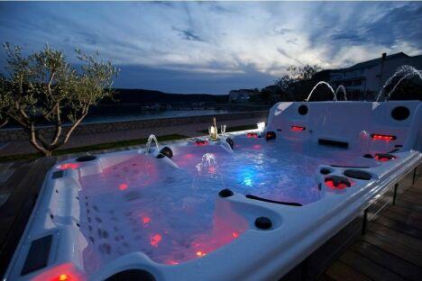 piscine aquazzi spas fleurance pisciniste gers 32. Black Bedroom Furniture Sets. Home Design Ideas