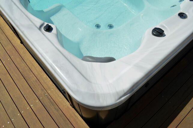 Spa ou baignoire balnéo : que choisir ?