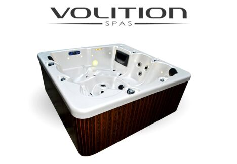"Spa Brisbane Premium  <span class=""normal italic petit"">© Volition</span>"