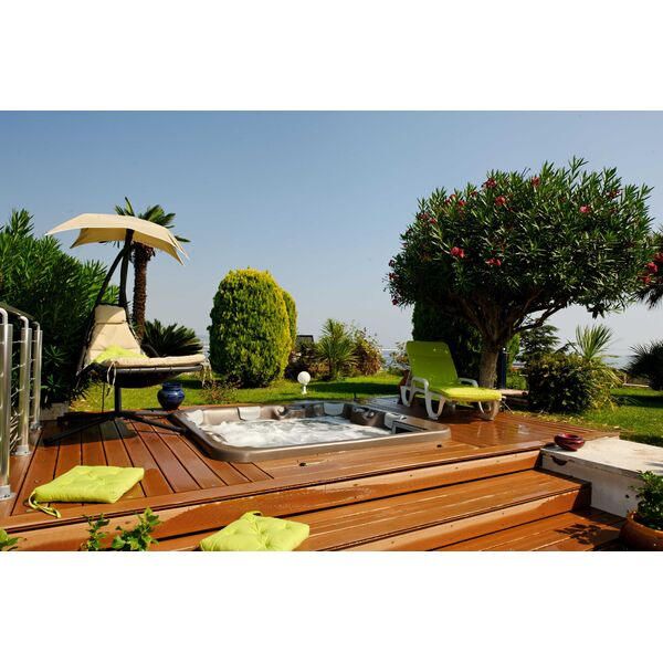 le spa ext rieur par l 39 esprit piscine. Black Bedroom Furniture Sets. Home Design Ideas
