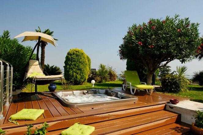 les plus beaux spas ext rieurs en photos le spa. Black Bedroom Furniture Sets. Home Design Ideas