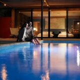 Spots, projecteurs et lampadaires : mettez votre piscine en lumière