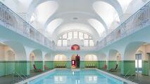 Des piscines tout droit sorties d'un film de Wes Anderson