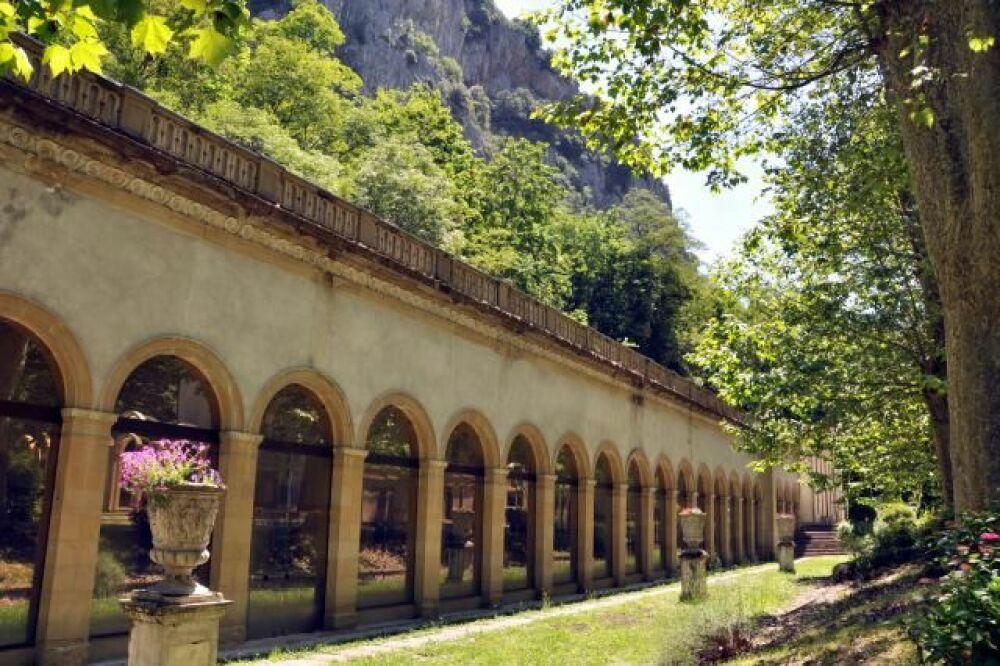 Stage de musicothérapie subaquatique aux thermes d'Ussat-les-Bains © thermes-ussat.com