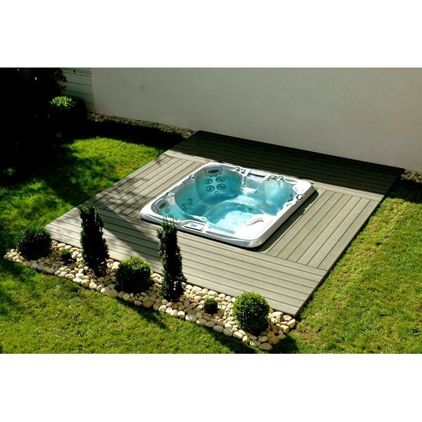 Piscine sundance spas tassin la demi lune pisciniste for Salon piscine lyon