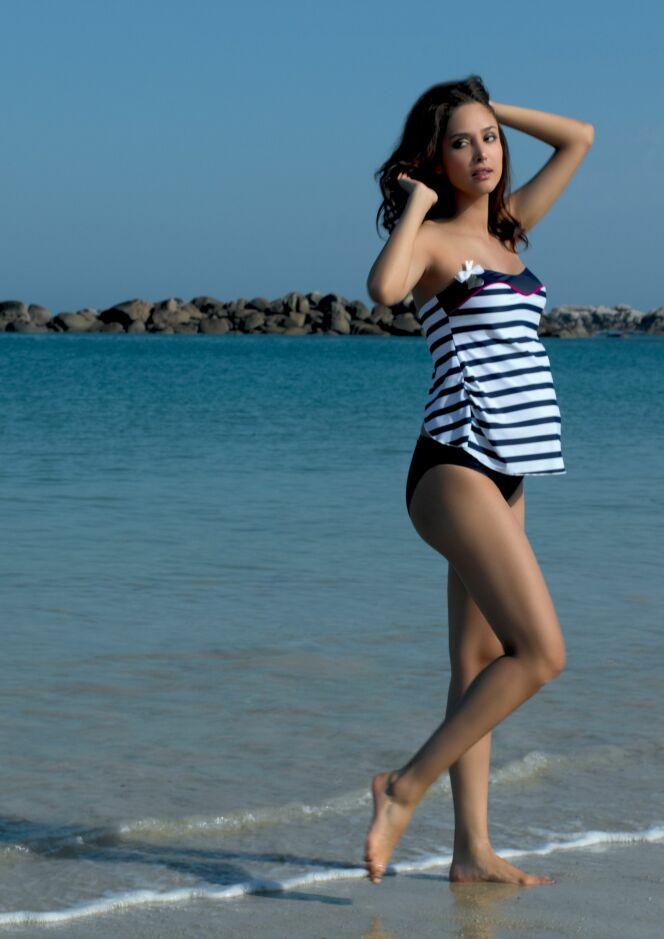 les photos maillots de bain mode femme enceinte t 2013 tankini de grossesse bustier marina. Black Bedroom Furniture Sets. Home Design Ideas
