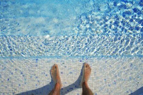 """Quel taux de chlore pour votre piscine ?<span class=""""normal italic"""">© fotolia</span>"""