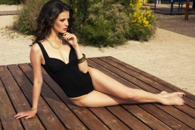 "Tendance déesse glamour, le maillot de bain chic<span class=""normal italic petit"">© slava_14 - Fotolia.com</span>"