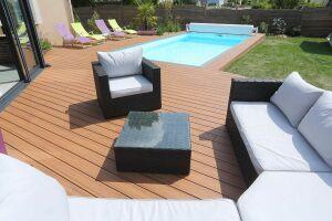 plage-terrasse en bois composite
